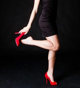 sapatos altos vermelho