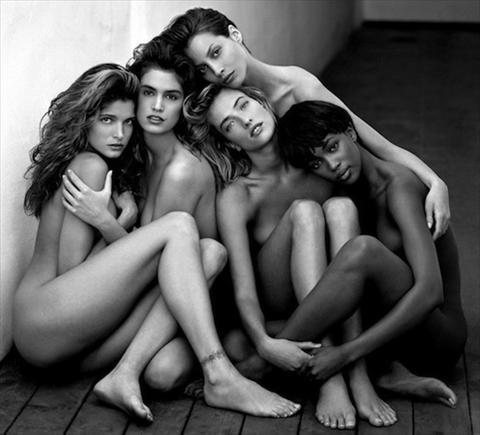 fotografia de grupo - mulher nua